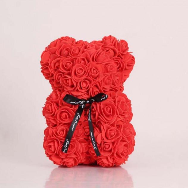 Мишка из фоамирановых роз красный